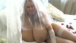 Bride Abbi Big Juggs