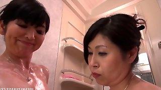 Smoking hot Mizuno Yoshie and her friend have fun in the bathtub