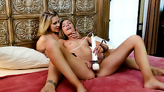 Julia Ann & Shyla Ryder in Mother Daughter Exchange Club #43, Scene #02 - GirlfriendsFilms