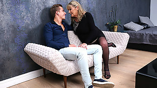 British Housewife Gives Blowjob And Is Fucked Hard By Her Toyboy - MatureNL