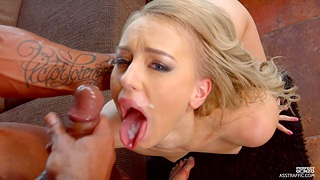 Hot blonde chick Kira Thorn spreads her legs to be fucked in the ass